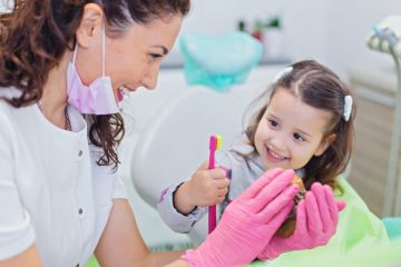Kid's Dentistree girl with dentist